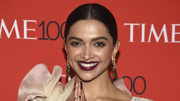 Deepika Padukone's dramatic Anamika Khanna look certainly cements her as red carpet master. (AP)