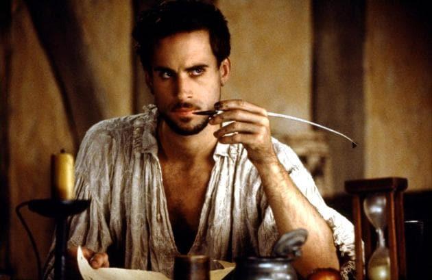 Joseph Fiennes as William Shakespeare in 1998 American romantic period drama, Shakespeare in Love