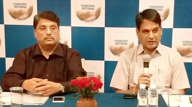 (Left) Asthma expert Dr Nalin Joshi and Dr BS Sharma at a press conference in Jaipur on Friday.(HT PHOTO)