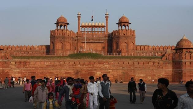 The Dalmia Bharat Group will maintain the Red Fort and build basic infrastructure around it. It has committed a sum of Rs 25 crore for the purpose over a period spanning five years.(Virendra Singh Gosain/HT File Photo)