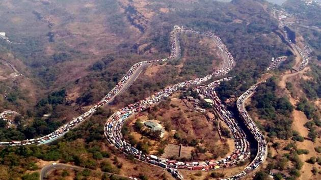 On Monday, five of a group of eight friends from Mumbai who were travelling to Pune for a wedding were killed when a tempo crashed into them near Panvel.(FILE)