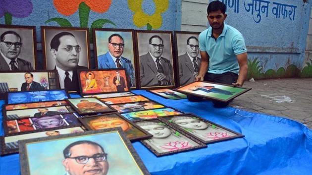 Roadside vendor sell portraits of Ambedkar ahead of his birthday in Pune on April 13, 2018.(Shankar Narayan/ HT File Photo)