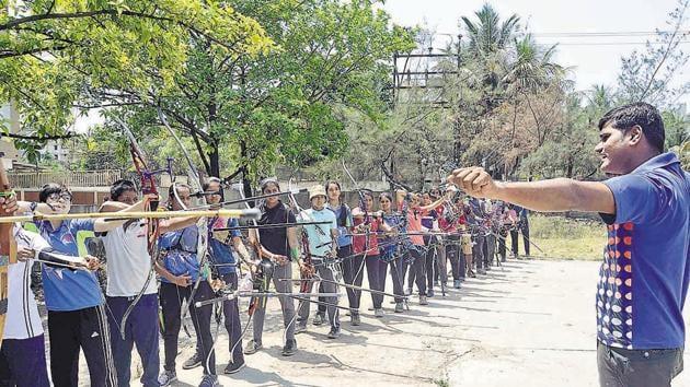 Archery training in Pune.(Ravindra Joshi/HT PHOTO)