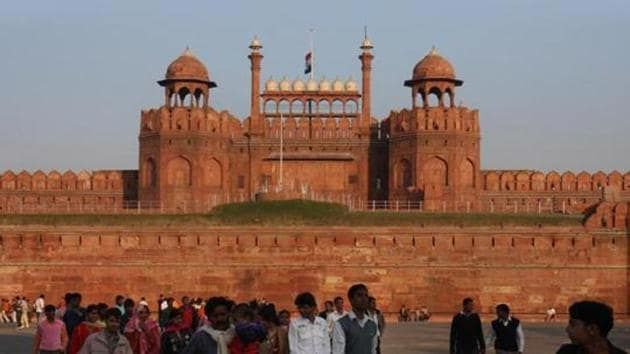 The Union tourism ministry handed over the iconic Red Fort to a leading corporate group, Dalmia Bharat, under its 'Adopt a Heritage' scheme.(HT Archive)