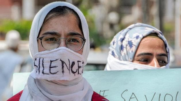 Students protest against rising instances of rape across the country, in Srinagar.(PTI)