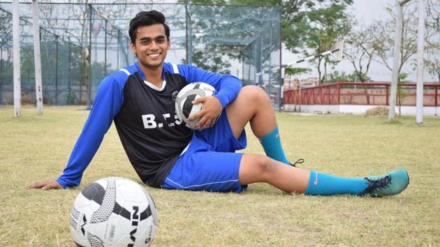GOAL-ORIENTED: A non-medical student, he is a goalkeeper, dog lover and an avid reader, meet Karman Singh, the school captain at Banyan Tree School, Sector 48, Chandigarh, who aspires to become a pilot.(Sikander Singh/HT)