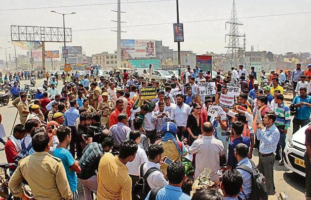 On April 24, residents and members of rightwing outfits staged a protest on NH-24 demanding action against those responsible for allegedly abducting and raping the girl inside the madrasa.(HT File/Sakib Ali)
