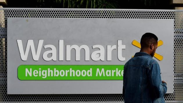 Walmart must ignore e-commerce in India while exploring ways of partnering strong offline retailers in India and launch an aggressive omni-channel play. It's strength is offline (Representative Photo)(AFP)