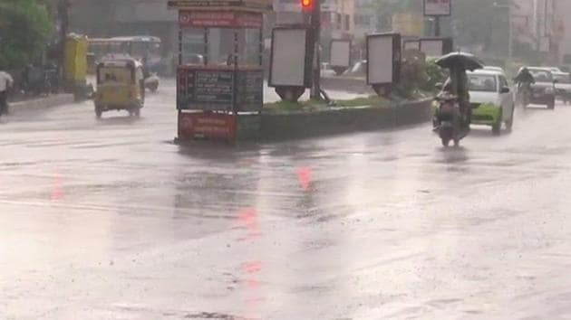 Heavy downpour with hailstorm and strong gales lashed many parts of Hyderabad on May 3.(ANI/Twitter)