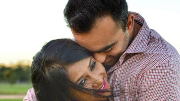 Harish Mehta, who lives in Australia, came to India just two days before their wedding and it was the first time that he met Sneha Chaudhary.(Facebook/ Humans of Bombay)