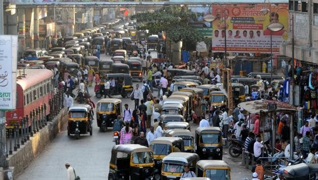 In 2017-18, 1,09,443 new vehicles were registered with the Kalyan Regional Transport Office (RTO), as compared to 90,735 vehicles in 2016-17.(RishikeshChaudhary/HT)