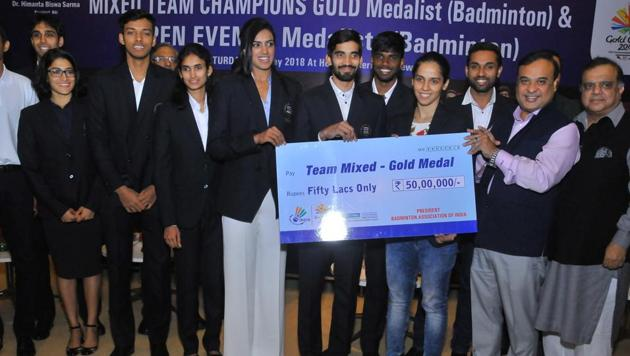 Indian Olympic Association president Narinder Batra during the felicitation ceremony of the badminton players who won medals at the Commonwealth Games.(HT Photo)