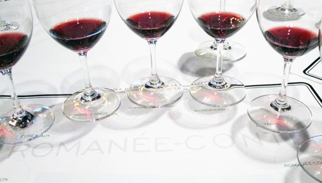The Domaine de la Romanee-Conti's 2009 wines are lined up for the annual release tasting at the Palace Hotel in New York, U.S.(Bloomberg)