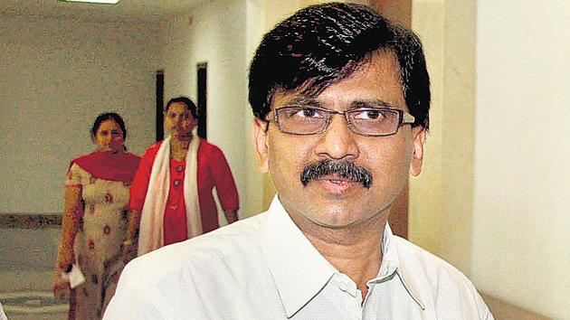 Shiv Sena leader Sanjay Raut said the understanding between the BJP and his party for the upcoming legislative council polls in Maharashtra didn't mean the Sena would forge an alliance with it in the Lok Sabha and assembly elections in 2019.(HT/File Photo)
