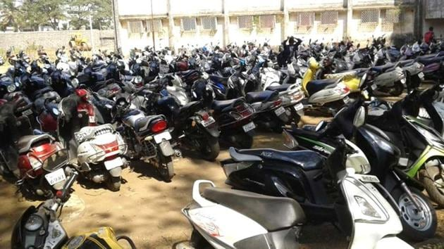 While one bike was stolen from Vashi's sector 11, the other was stolen from sector 15.(HT File Photo/Used for representational purpose)
