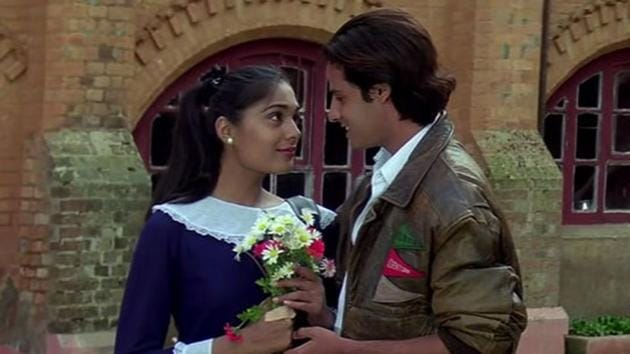 Anu Aggarwal and Rahul Roy in a still from Aashiqui.