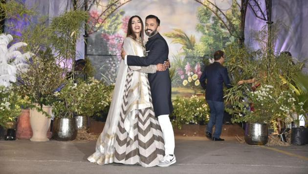 Sonam Kapoor-Anand Ahuja wedding: The couple arrived in matching outfits.(Viral Bhayani)