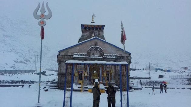A view of the Kedarnath temple amid heavy snowfall in Uttarakhand's Rudraprayag district.(PTI File Photo)