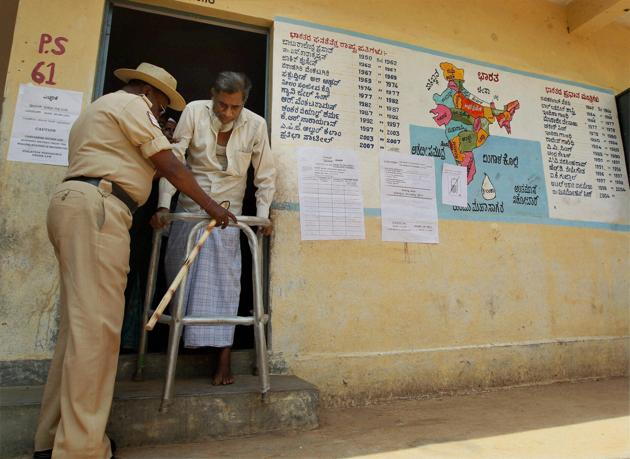According to the Association for Democratic Reforms, 94% of the 220 candidates that the Congress fielded in the Karnataka elections were crorepatis and 27% face criminal cases. Similarly, 93% of the BJP's 224 candidates were crorepatis and 37% charged with criminal cases(PTI)