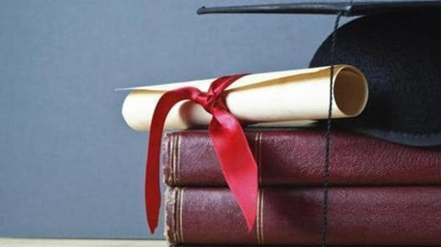 A requirement that scholars get at least two research papers published in a University Grants Commission-approved journal before submitting their doctoral theses, coupled with pressure on university teachers to get their research published regularly in academic periodicals, has produced an unexpected side-effect: proliferation of dubious journals.(HT representational photo)