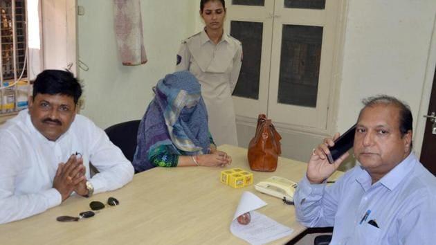 Nirmala Meena at the special unit office of Anti-Corruption Bureau in Jodhpur on Wednesday.(HT PHOTO)