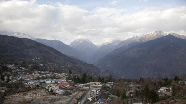 Tourists visit Munsiyari to watch Panchachuli peak in summer months.(File/AP)