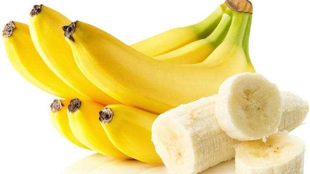 One banana can provide us with around 400 mg of potassium, and it is this very potassium content which gives it the ability to control high blood pressure.(Shutterstock)