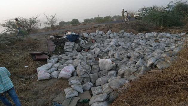 The accident occurred on Bhavnagar-Ahmedabad highway near Bavalyali village in Bhavnagar on Saturday morning.(AN/Twitter)