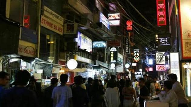 The government said the decision was taken after residents complained of noise from pubs in markets.(Sanchit Khanna/HT File Photo)