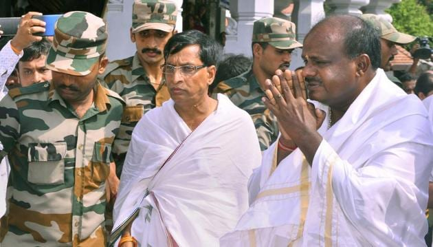 JD(S) leader and CM-designate HD Kumaraswamy visits Manjunatha Swamy temple ahead of his swearing-in ceremony, in Karnataka's Kshetra Dharmasthala on Tuesday.(PTI)
