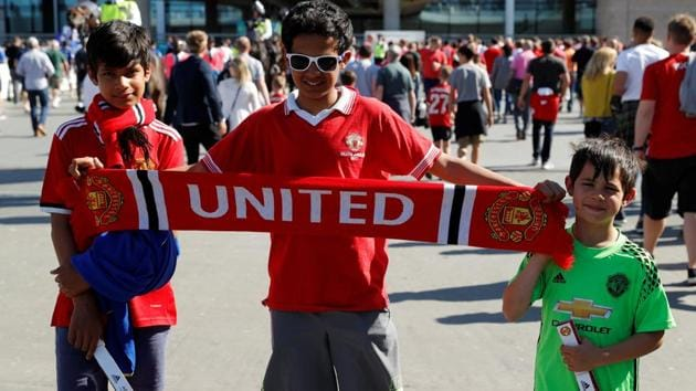 Manchester United fans outside the Wembley stadium before the FA Cup final vs Chelsea on May 19, 2018.(REUTERS)