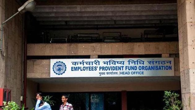 The EPFO had provided 8.65% interest for 2016-17. The members got 8.8% in 2015-16 and 8.75% each in 2014-15 and 2013-14.(HT File Photo)