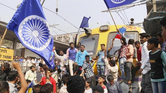 Dalit groups protesting at the Thane railway station during the Maharashtra Bandh after clashes erupted between in Bhima Koregaon near Pune, in Mumbai in January 2018.(PTI File Photo)