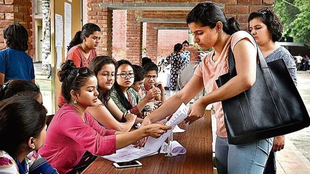 The number of students scoring 90% and above this year is 72,599, which is an increase of almost 19,000 from last year, according to information shared by the board.(Sushil Kumar/HT File Photo)