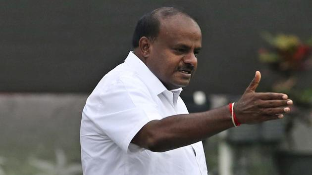 Karnataka chief minister HD Kumaraswamy said he is committed to farm loan waiver.(AP)