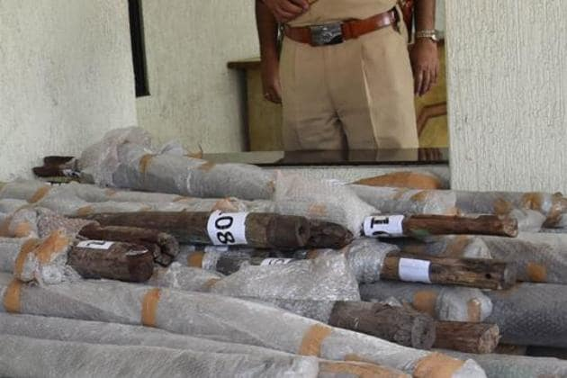 A tenant verification drive in northeast Delhi's Welcome led the police to a gang of alleged sandalwood smugglers and recovery of 1,340 kg of sandalwood worth over Rs 2 crore in the Indian market.(HT Photo)
