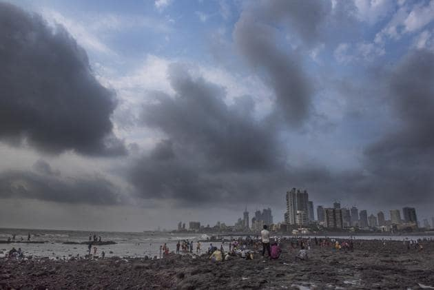 The BMC has identified 225 spots in Mumbai that may possibly get flooded (74 in eastern suburbs, 88 in western suburbs and 63 in the island city).(HT Photo)