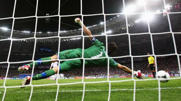 The England national football team have an unenviable record in sudden-death situations and goalkeeper Jordan Pickford has said they are preparing for the prospect of penalties at the FIFA World Cup 2018.(Getty Images)