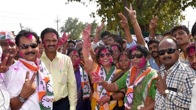 NCP workers celebrate their victory in the Bhandara-Gondiya Lok Sabha bypoll.(HT/Sunny Shende)