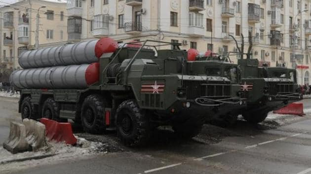 Russian S-400 missile air defence systems drive during the military parade to commemorate the 75th anniversary of the battle of Stalingrad in World War Two, in the city of Volgograd, Russia.(REUTERS File Photo)