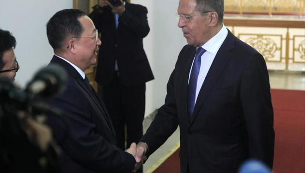 North Korean Foreign Minister Ri Yong Ho shakes hands with Russian Foreign Minister Sergei Lavrov in Pyongyang, North Korea(AP photo)