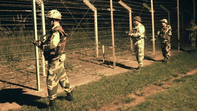 On May 29, Pakistani director general of military operations called up his Indian counterpart with a proposal to undertake sincere measures to improve the border situation and spare civilians hardships.(File photo)