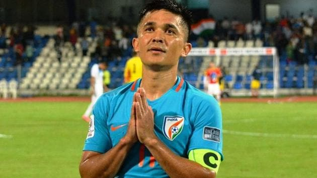 Sunil Chhetri found support from Sachin Tendulkar and Shikhar Dhawan as they urged fans to watch the Indian football team in action.(Twitter)