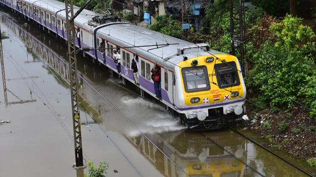 Water Logging on railway track between sion and Matunga after heavy rains in Mumbai(HT Photo)