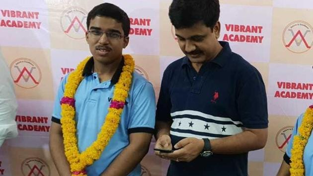 Sahil Jain, all-India rank 2 in the JEE Advanced examination, said he studied for six to seven hours daily, apart from coaching and school.(HT Photo)