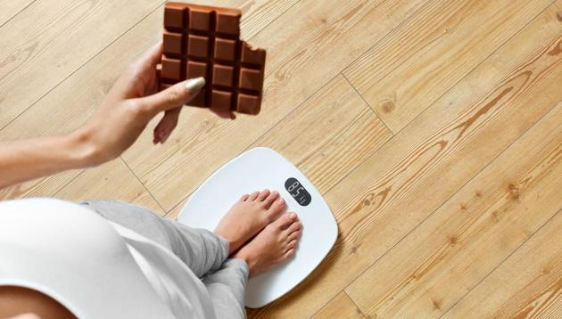 Weight loss, fitness fails: Binge eating and cheat days should not be part of your weight loss regime.(Shutterstock)