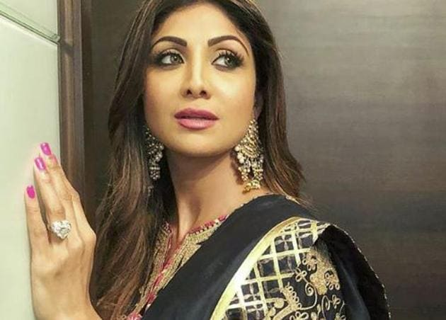 Actor Shilpa Shetty Kundra paired two bold colours, black and gold, together in her ethnic Indian Iftar party look. (Instagram)