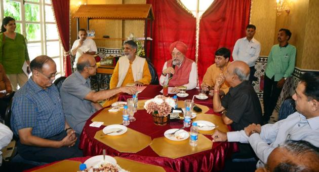 Puri, a career diplomat who was handpicked by Prime Minister Modi into his council of ministers and made Rajya Sabha from UP was in Lucknow for BJP's 'sampark for samarthan' campaign.(HT Photo)