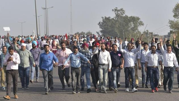 The state government, which approved the policy on March 7, has been keen to implement it from the current academic session, but had to put that on hold due to the teachers' protest.(HT File)