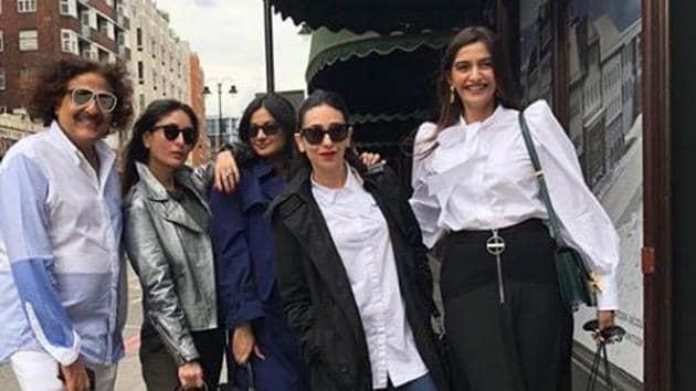 All the Kapoor girls—Kareena, Karisma, Sonam and Rhea—in a single frame.(Therealkarismakapoor/Instagram)